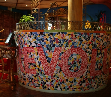 de revolutie restaurant zevenaar